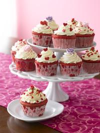 Red-velvet-cupcakes-200