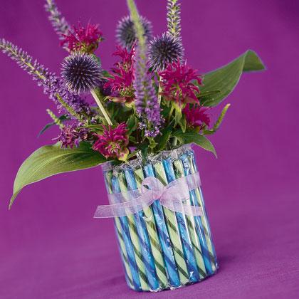 Candy-stick-vase-christmas-craft-photo-420-FF1103ALMFA01